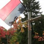 Великий залізний хрест на могилі загиблому воїну УПА