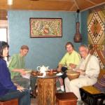 З Артуром , Беті та Аліє відвідуємо кримського гончаря Рустема